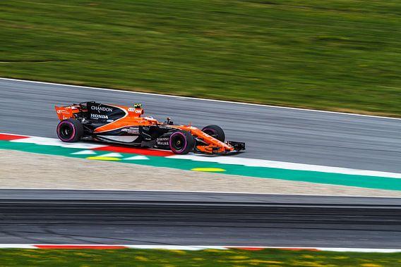 Stoffel Vandoorne in actie tijdens de Grand-Prix van Oostenrijk 2017 van Justin Suijk