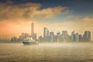 Manhattan vanaf het water van Dennis Donders