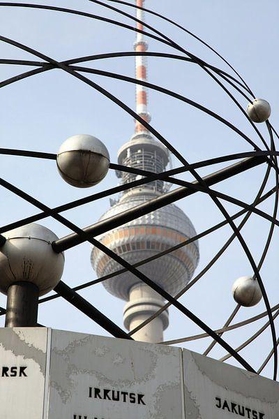 World Clock Fernsehturm Berlin 2 van Falko Follert