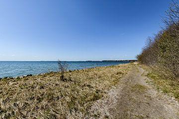 Fiets- en wandelpad langs het natuurstrand in de Goor van GH Foto & Artdesign