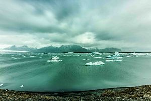 winderig gletsjer meer
