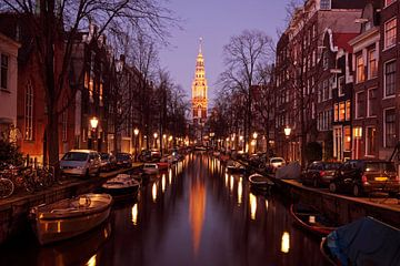 Zuiderkerk in Amsterdam Nederland bij zonsondergang van Nisangha Masselink