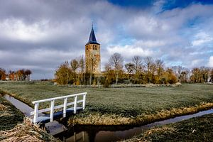 Kerktoren op een terp van