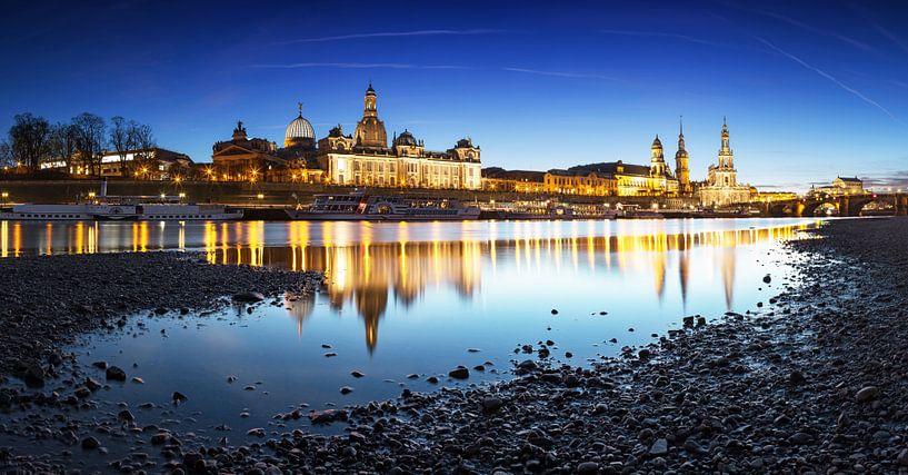 L'horizon de Dresde à l'heure bleue sur Frank Herrmann