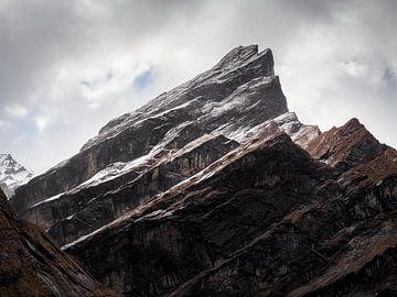 Nepal - Annapurna Track Himalaya - Kunstige bergen van Rik Pijnenburg