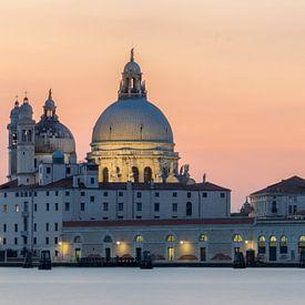Santa Maria della Salute bij zonsondergang van Teun Ruijters