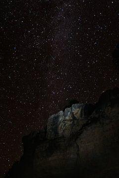 Sterrenhemel en melkweg bij de Grand Canyon van Moniek Kuipers