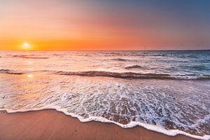 Zonsondergang Zeeuws strand van