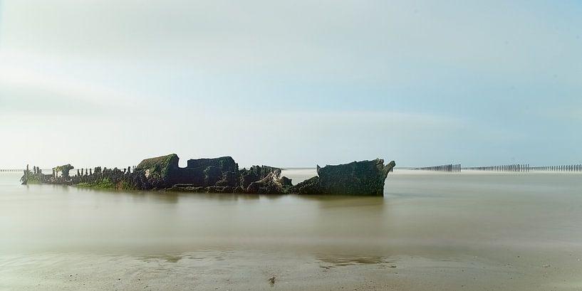 Verloren schip van Rene van Dam