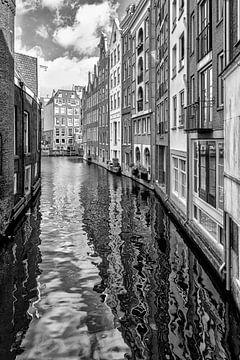 Vanaf de Spooksteeg in Amsterdam. van Don Fonzarelli