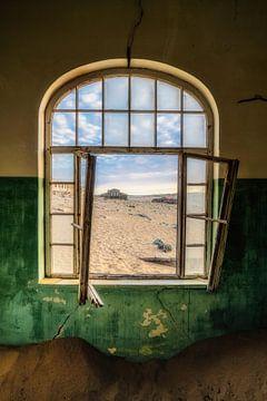 Het gebroken venster van Joris Pannemans - Loris Photography