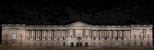 Louvre van