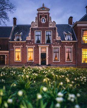 Karakteristiek monumentaal pand aan het Martinikerkhof in Groningen sur