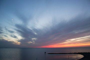 Zonsondergang boven het IJsselmeer  van Jolien Kramer
