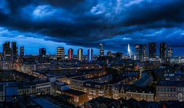 Bewolking boven Rotterdam van