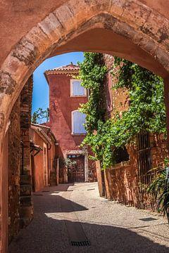 Ockerfarbene Häuser in Roussillon, Provence von Christian Müringer