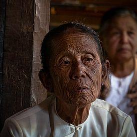 Myanmar - Inlemeer - Grootmoeder van Rik Pijnenburg