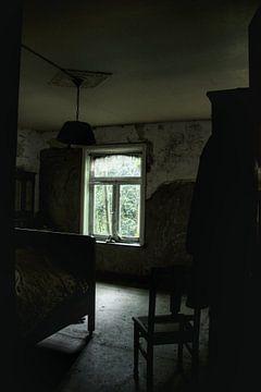 Verlaten slaapkamer ergens in Belgie von Melvin Meijer