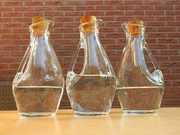 drie glazen waterkannen von Joke te Grotenhuis