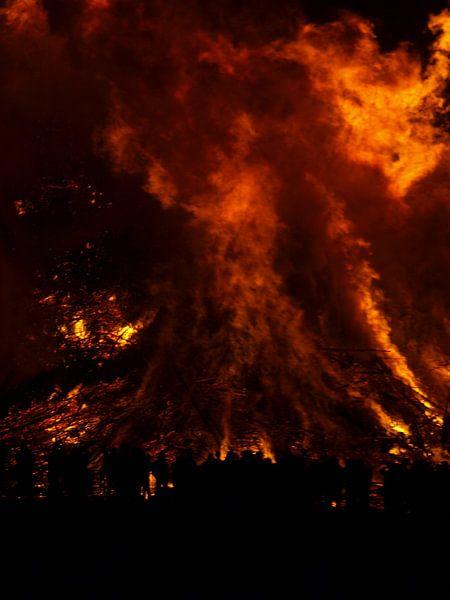 Fire IV van M Lolkema