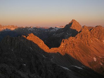 Sonnenaufgang auf der Stallkarspitze von Christian Moosmüller