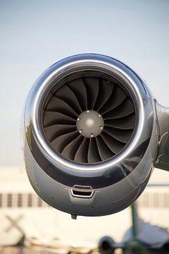 motor van vliegtuig van marijke servaes