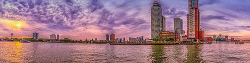 Rotterdam - Kade euromast en Wilhelmina in zonsondergang van Rene Siebring