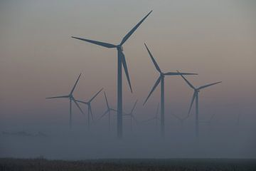 windmolenpark - windenergie sfeeropname sur Keesnan Dogger Fotografie
