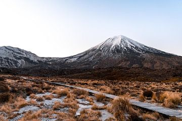 Frühmorgendlicher Spaziergang in den Bergen Neuseelands von Niels Rurenga