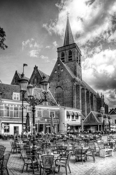 St. Joriskerk op de Hof historisch Amersfoort zwartwit van Watze D. de Haan