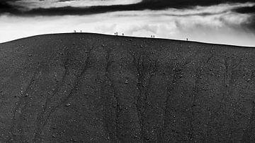 Wanderer auf dem Hverfell von Sam Mannaerts Natuurfotografie