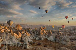 Luchtballonnen boven Cappadocië van