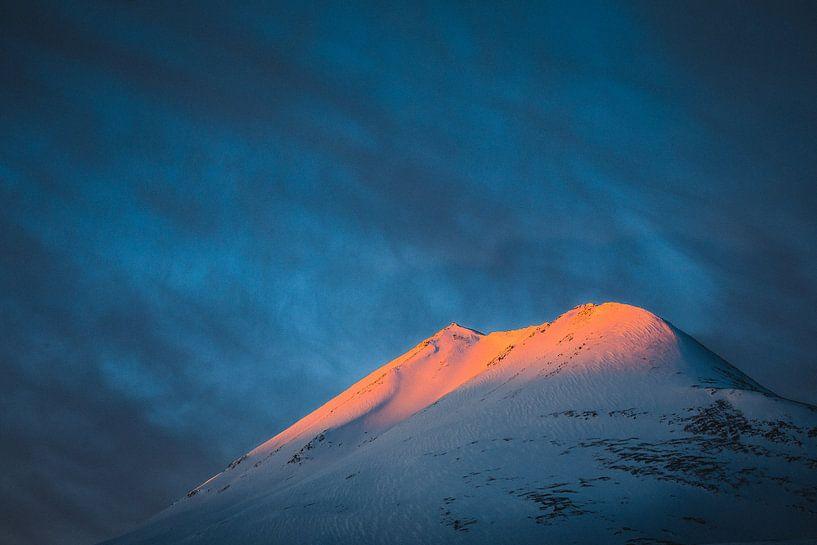Zonsopkomst op de Lyngen Alpen - Tromsø, Noorwegen van Martijn Smeets
