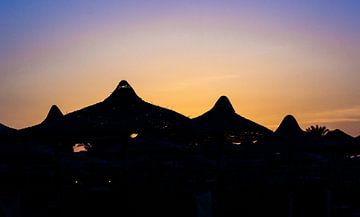 Zonsondergang strand van Peter-Paul Timmermans