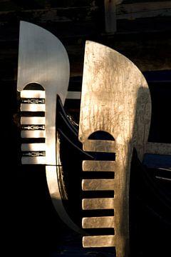 venetian gondolas van Bernd Hoyen