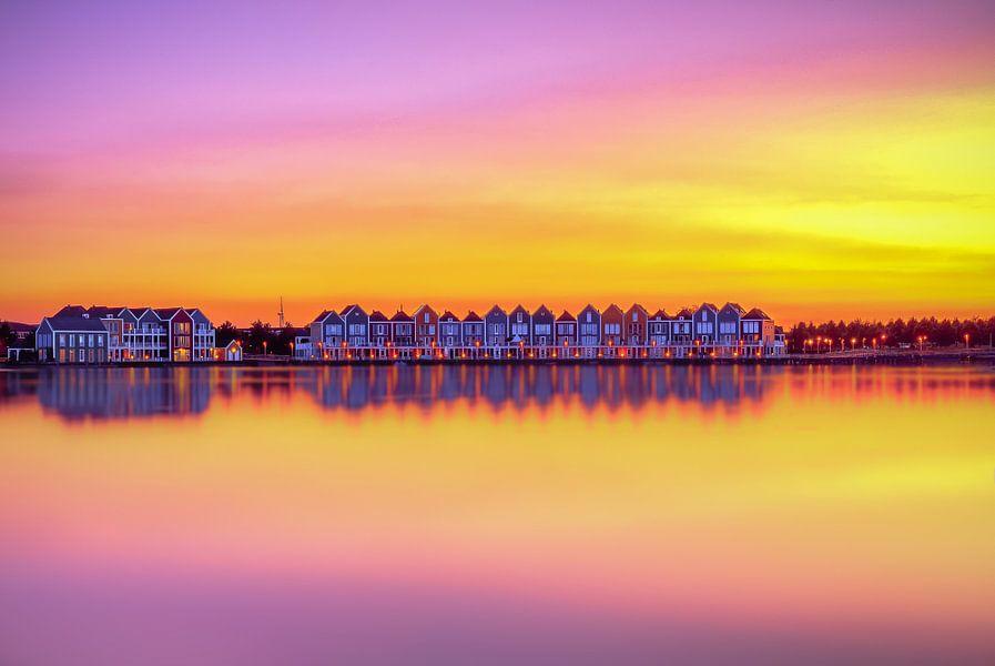Kleurrijke zonsondergang van Maikel Brands