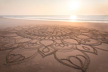 Mandala im Sand am Strand von Kampen, Sylt von Christian Müringer