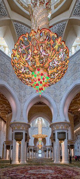 Grote kroonluchters in Sheikh Zayed-moskee in Abu Dhabi van Rene Siebring