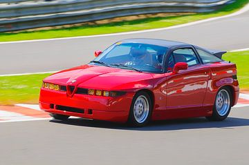 Alfa Romeo SZ Italienischer Sportwagen fährt schnell von Sjoerd van der Wal