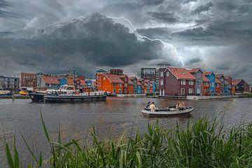 Onweer boven het Reitdiep in Groningen. van Elianne van Turennout