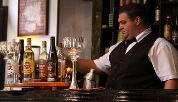 Traditionele barkeeper van SPOOR Spoor