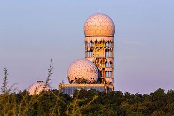Oud radarstation op de Teufelsberg in Berlijn van Frank Herrmann