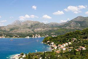 Zicht op een baai in Kroatië