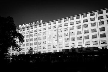 Sphinx sanitaire, bâtiment Eiffel 2014 sur Streets of Maastricht