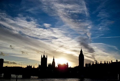 London Thames van