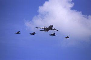 Airbus A310-304 MRTT der Luftwaffe mit 2 x Tornado, 2 x  Eurofighter
