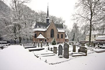 Oud middeleeuws kerkje in de sneeuw in Lage Vuursche van Nisangha Masselink