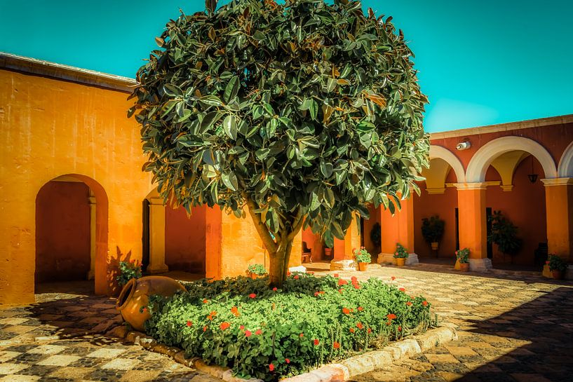 Santa Catalina klooster in Arequipa, Peru van Jille Zuidema