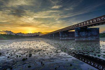 Moerputtenbrug bij zonsondergang