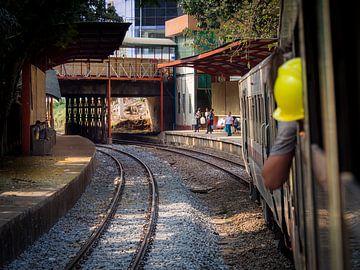 Myanmar - Yangon - Stoptrein van Rik Pijnenburg